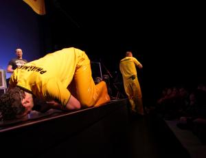 2009 – Rüsselsheim – Stadttheater – Nach dem Kuss